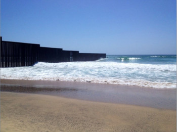 Pacific ocean border Mexico California US